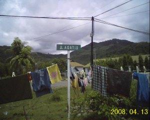 Ini papan nama jalan, mau ke mana ya?